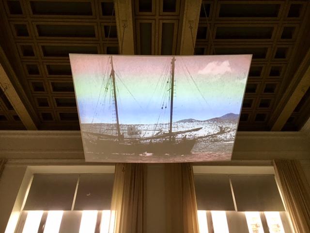 Rainer Oldendorf, marco14 und CIAM4 / Schiffbruch mit Zuschauer,  Film von László Moholy-Nagy, Installationsansicht, Polytechnion, documenta 14, Athen 2017