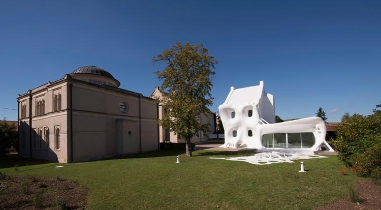 Centre d'art contemporain la synagogue de Delme, Gue(ho)st House, Berdaguer & Péjus, 2012 © Adagp Paris 2012 / Berdaguer & Péjus, photo : OHDancy photographe
