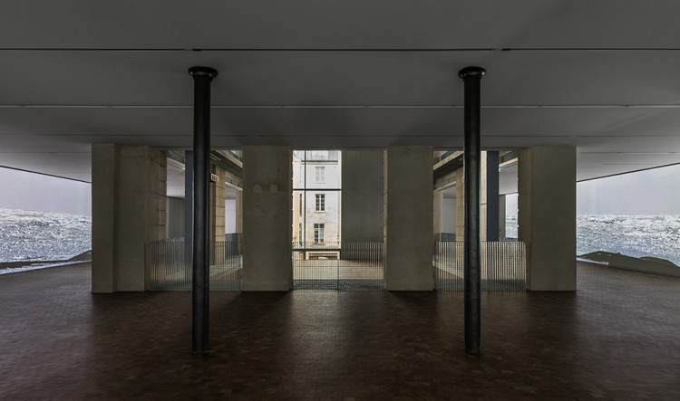 Lutz Bacher - The Silence of the Sea, vue d'exposition 2018, Lafayette Anticipations, photo : Delfino Sisto Legnani et Marco Cappelletti